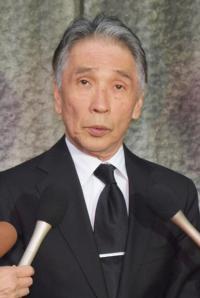 前田健さん通夜、700人が参列 堺正章、南野陽子らが別れ惜しむ