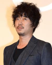 新井浩文、夏帆との交際報道に自虐「浅野さんじゃないです」