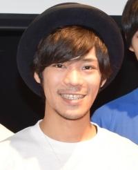 小野賢章、花澤香菜と熱愛「改めて自分からしっかり報告」