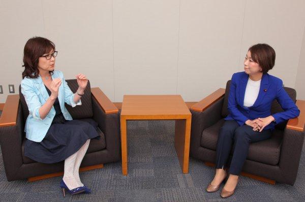 ◆◆◆ 稲田防衛相「無職男(バカウヨ)じゃあるまいし、日本人女性はみんな韓流好き♪」 [無断転載禁止]©2ch.netYouTube動画>17本 ->画像>664枚