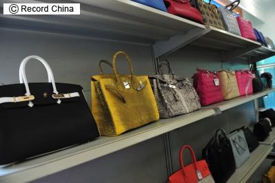 <レコチャ広場>中国人の買い物狂いは劣等感からくるもの―中国