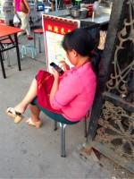 中国、親の7割がスマホに気を取られ子どもに冷たく対応―韓国メディア