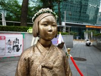 韓国外交部が慰安婦少女像撤去論争に言及、「日本側の恣意的な解釈や協議内容に合致しない発言には抗議」―中国メディア