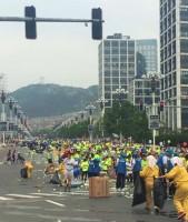 「あまりに汚すぎ」=大連国際マラソン、ランナーたちのポイ捨てで一面ゴミの山―中国