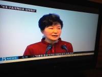 朴大統領、小学校訪問で子ども心をズタズタにする発言=韓国ネット「人間味のなさに心底がっかり」「国が滅びないことが不思議」