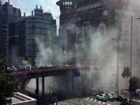 女性が運転する車から突然、煙が…!排気口から出てきた意外すぎるものとは?―中国
