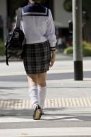 日韓の女子高生のバッグの中身の違いに韓国ネット興味津々=「スカートには共感」「日本人はスマホで音楽聞かないの?」