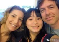 22年前に公園に置き去りされた女児、米国から戻り肉親捜し―中国