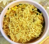 賞味期限切れのインスタント麺を食べ腹痛に、男性がメーカーに6800万円の賠償を要求したが…―中国