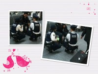 日本の警官が市民にひざまずく理由に、中国ネット「これがまさに最低限の尊重」「天皇陛下もひざまずいて…」