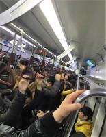 """韓国の地下鉄で繰り返される""""戦争""""におびえるママたち=韓国ネット「妊娠するたび世の中の厳しさを感じる」「この社会に怒りと恥ずかしさを覚えた」"""