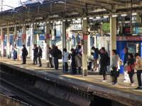 日本の電車は降りる人を待ってから乗るものだ!日本人の交通マナーに韓国紙が注目=「僕も日本で感銘を受けた」「韓国はまだまだだな」―韓国ネット