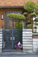 どうして日本の家の前には表札が掛かっているのか…、そこにはいろいろな理由があった―中国メディア
