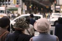 「日本のお年寄りはなぜ孫の面倒を見ないのか」=日本人と結婚した中国人男性の疑問