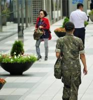 「韓国軍の兵長はのらりくらり」大統領候補の発言に韓国男性が激怒?=ネットには納得の声も「間違ってない」「現役軍人なら誰でも知ってること」
