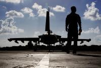 英、南シナ海で戦闘機飛行へ 20年に空母も太平洋派遣
