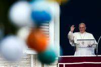 ローマ法王がメディアに強い警告、「偽りの情報拡散は罪」