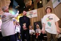 米国で「最も臭いスニーカー」コンテスト、12歳少年が優勝