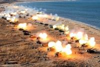 北朝鮮、軍記念日にあわせ大規模砲撃演習を実施=聯合ニュース