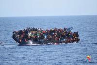 溺れた赤ちゃん写真、地中海における難民の悲劇浮き彫りに