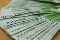 欧州株が3営業日ぶり反発、銀行株に買い戻し