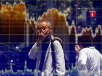 日経平均は4日ぶり反発、一時438円高 経済対策の報道に一喜一憂