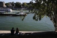 パリ、「ヌーディスト公園」開園を計画=副市長
