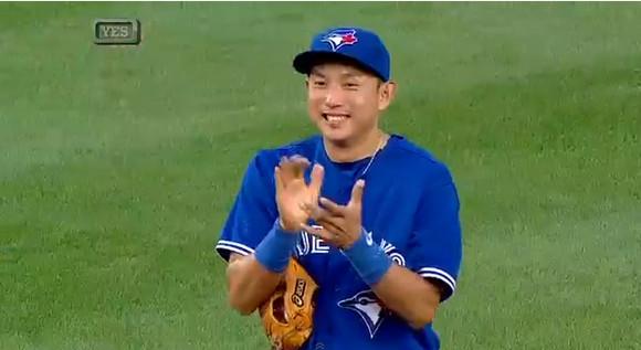 イチロー4000安打目のボールを大切そうに撫でまわす川崎ムネリンが日米で話題に! 海外の声「なんて可愛いの!!」「ムネのためのヒットだ!」