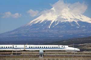 たった7分で新幹線を清掃する日本人、掃除してもゴミが残る中国の清掃員