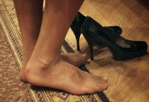 どうして日本人は、玄関に入ったらすぐ靴を脱ぐ? 湿気が多くて水虫になりやすいから=中国メディア