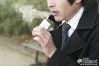 「iQOS」「Ploom TECH」に次ぐ第3の加熱式タバコ『glo(グロー)』、喫煙者が実際に吸ってみてわかったそれぞれの実力と違い!