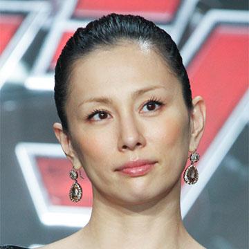 オールバックの米倉涼子