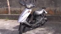 沖縄の15歳少年死亡事故、小6男児がオートバイを飲酒運転