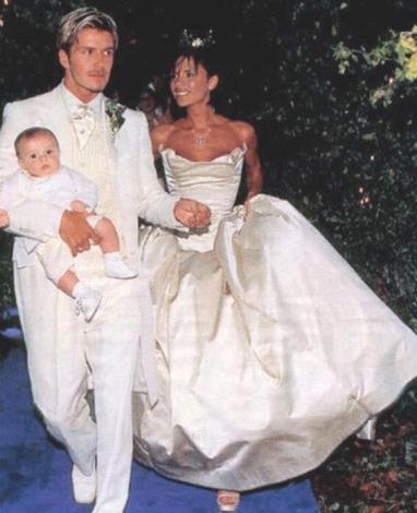 ヴィクトリア・ベッカム、結婚15周年を祝し挙式写真を公開。 , エキサイトニュース