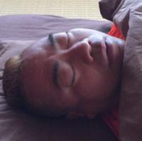 出川哲朗の寝姿に心配の声 無呼吸症候群か?