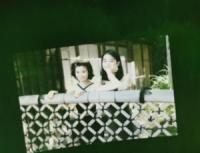 石田ゆり子&ひかり姉妹 20年前の2ショットが「透明感半端ない」