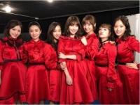 """AKB48夢の""""神7""""ショット 『こじまつり』で豪華メンバーが勢ぞろい"""