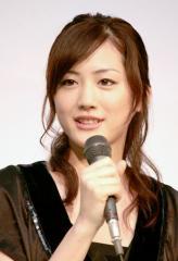 綾瀬はるか 交際バレバレ他人行儀な主役とヒロイン