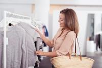 アパレル店員は見抜いてる「絶対にものを買わない人」の共通行動5つ