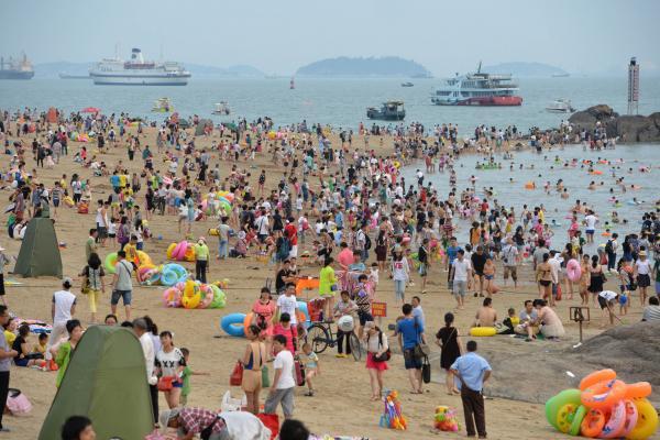 海に流出のプラスチックごみ、中国からが世界最多 生態系に悪影響も
