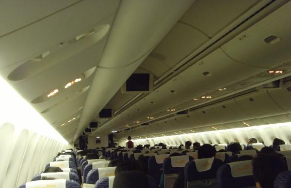 景色見たいから・・上海の空港で他人の窓側席を占有して出発遅らせた男に行政拘留処分―香港メディア