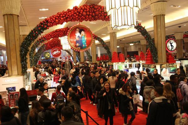 昨年の中国人の海外消費額、1兆元を突破―中国メディア