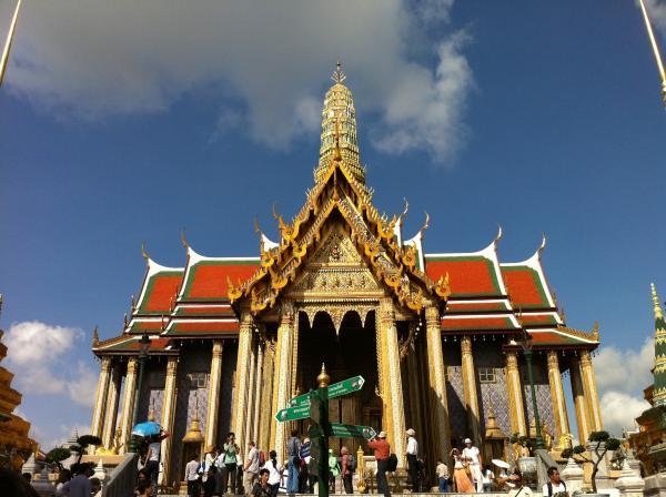 タイ寺院が中国人観光客のトイレマナーの悪さに激怒、「便器周りが大便だらけ」―中国メディア