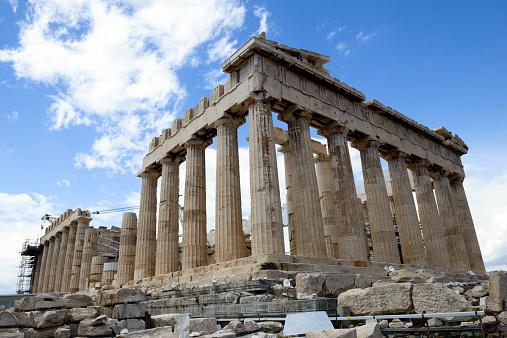 混沌とするギリシャ情勢 ユーロ圏離脱は「五分五分」?