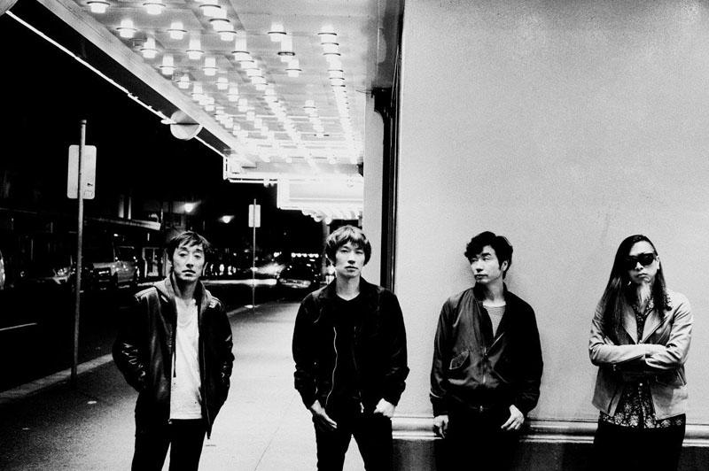 スピッツ バンド結成30周年を目前に約3年振りのオリジナル...