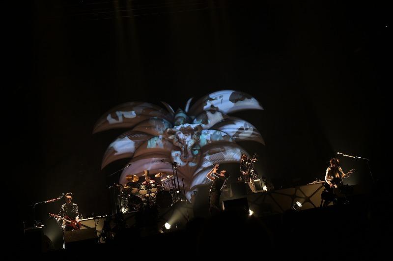 BUCK-TICKが17年連続の日本武道館公演 「皆さんの輝かしい...