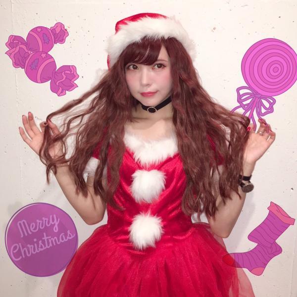 サンタのドレス姿の益若つばさ