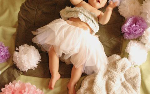 ドレスというと難しそうですが、チュールスカートなら、ミシンがなくても比較的簡単に作ることができます。お花の妖精のようなふんわり華やかなスカートで、思い出に