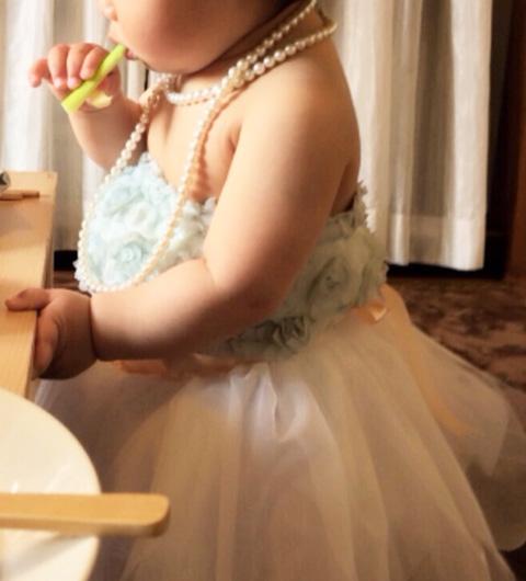 1歳のお誕生日にもぴったりです。フリフリの子どもの姿に写真を撮るのも楽しくなります。女の子がいるお母さんは、ぜひ挑戦してみてくださいね。