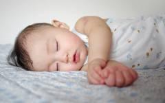 長い? 短い? 知っておくと安心する赤ちゃんの昼寝のこと~前編